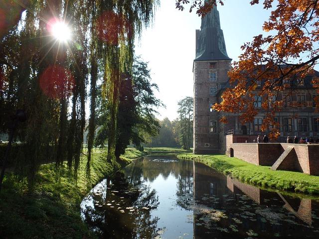 Castle, Raesfeld, Moat, Autumn, Roma Table, Fairy Tales
