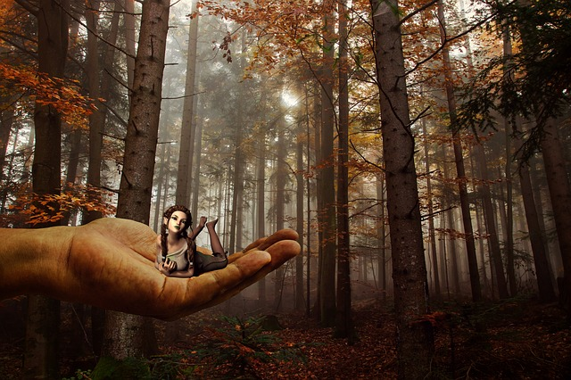 Hand, Elf, Dwarf, Giant, Fee, Fantasy, Fairytale, Woman