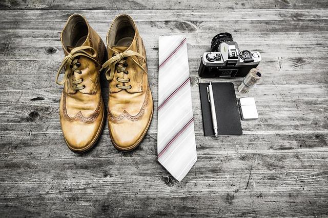 Camera, Fashion, Miscellaneous, Money, Notebook, Pen
