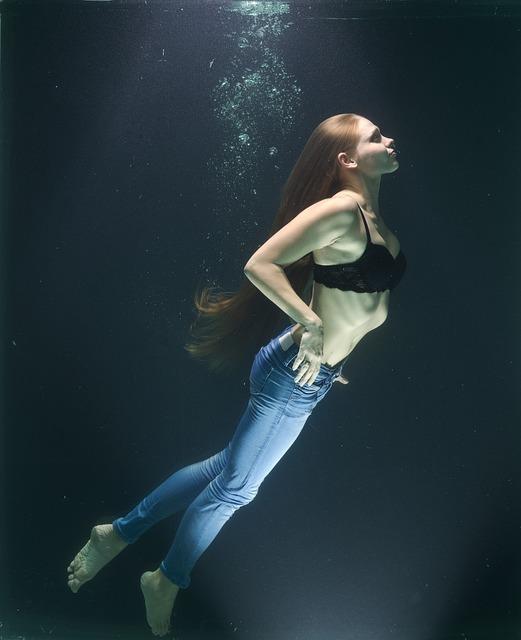 Fashion, Art, Water, Tank, Under The Beautiful Arts
