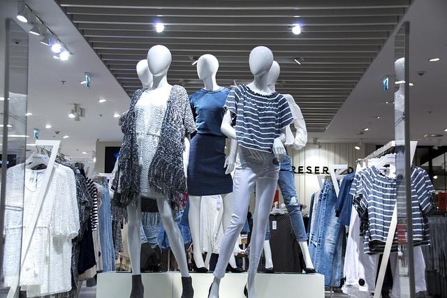 Shopping Mall, Shop Windows, Fashionable Clothes