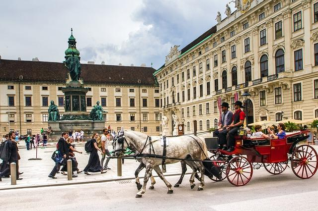 Vienna, Hofburg Imperial Palace, Fiaker, Castle