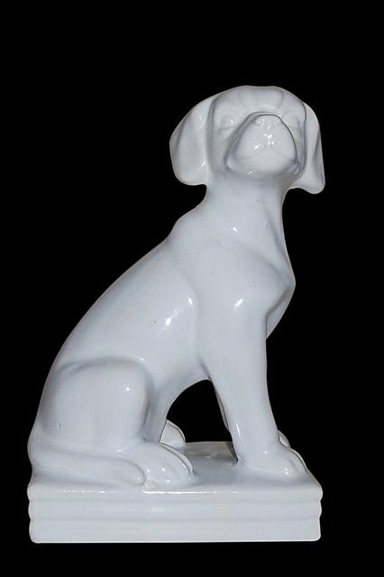 Buchstütze, Fig, Dog Figure, White