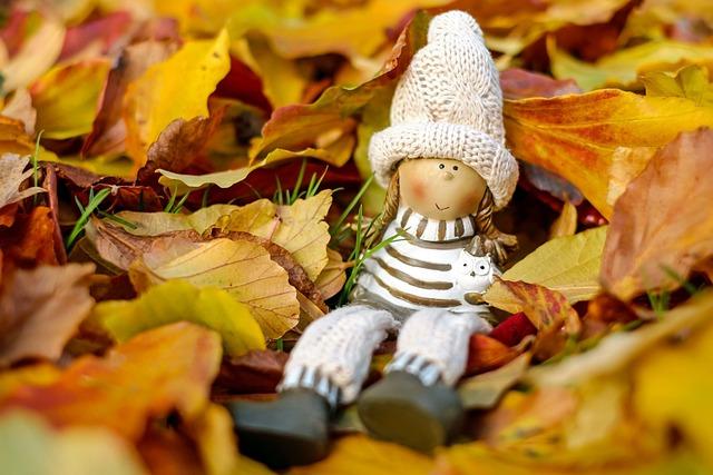 Doll Figure, Figure, Girl, Sit, Rest, Relax, Dreams
