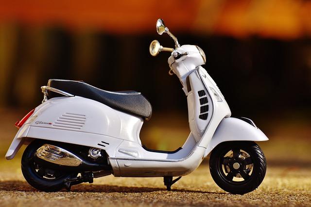 Vespa, Roller, Mechanic, Figure, Funny, Motor Scooter