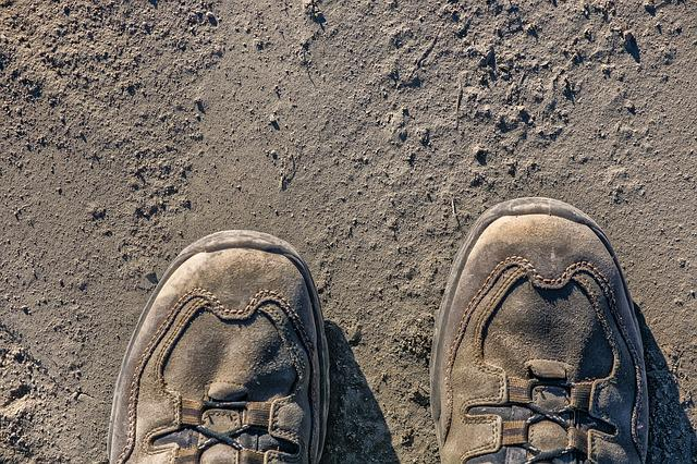 Dusty, Hiking Shoes, Runway, Fine Dust, Dust, Sandy