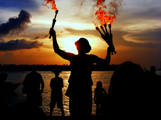Juggler, Performer, Water, Sea, Ocean, Outside, Fire