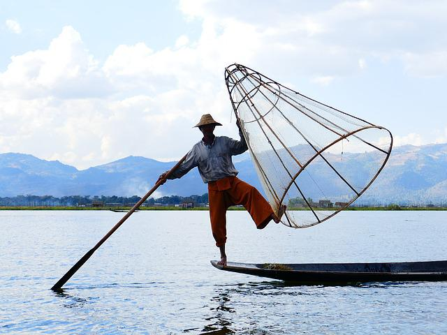 Single-leg-rowers, Fischer, Rowing, Bamboo Basket, Fish
