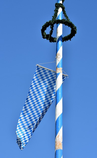 Maypole, Flag, Bavaria, Bavarian Flag, Maypole Wreath