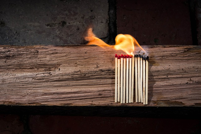 Matches, Matchstick, Flammable, Wood, Fire, Glow, Heat