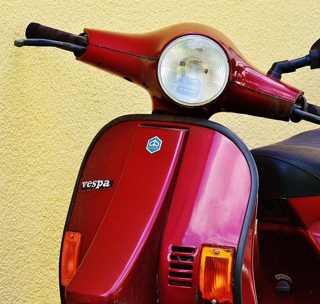 Vespa, Roller, Motor Scooter, Cult, Moped, Flitzer