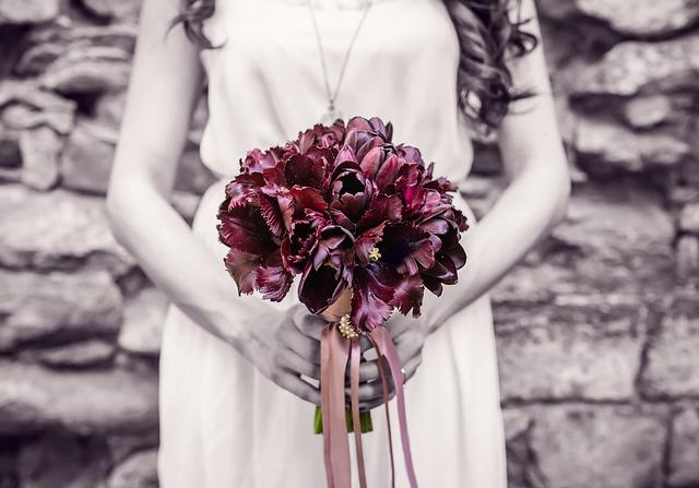 Bridesmaid, Wedding, Flowers, Bouquet, Romantic, Woman
