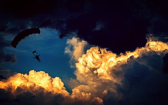 Parachute, Parachutist, Paraglider, Air Sports, Flying