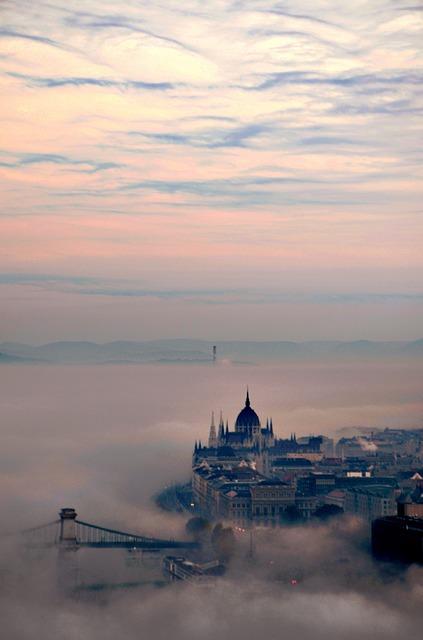 Budapest, Dawn, Fog, Parliament, Elizabeth Bridge