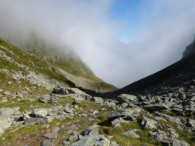 Mountain Pass, Round Dish, Fog, Port Of Tavascan