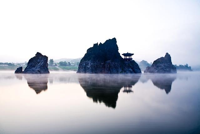 Section, Water, Lake, Sky, Fog, Rock, Cloud, Oriental