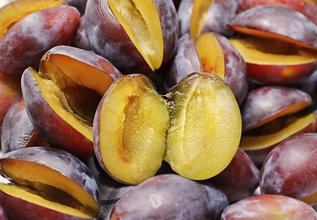 Plums, Half Fruit, Fruit, Fruits, Ripe, Violet, Food