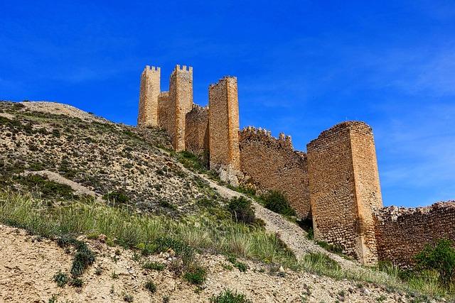 Fortification, Albarracin, Village, Valley, Buildings