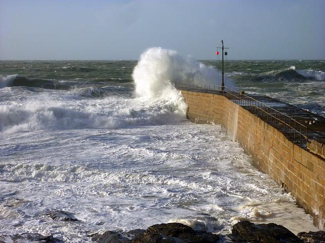 Sea, Forward, Wave, Water, Spray, Nature, Mole, England