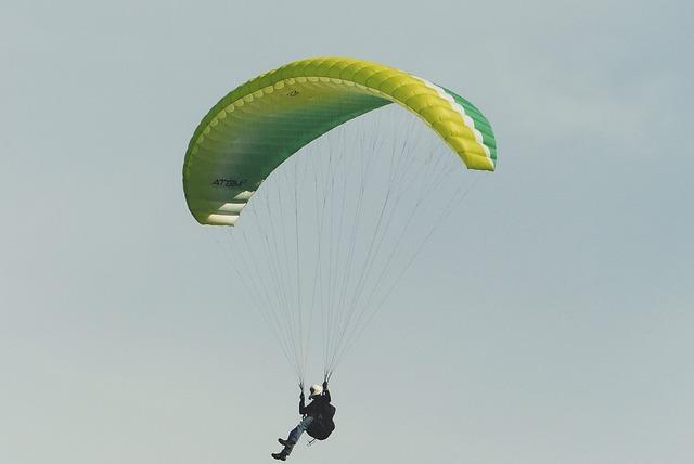 Paraglider, Paragliding, Flying, Freedom, Landing