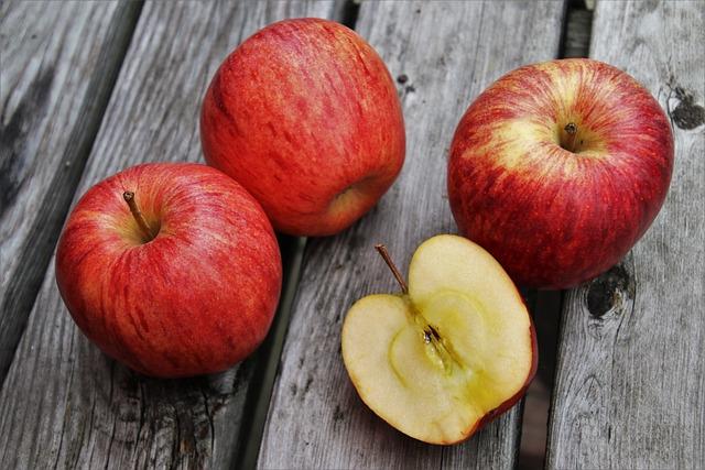 Apples, Fruits, Food, Vitamins, Sliced, Fresh, Ripe