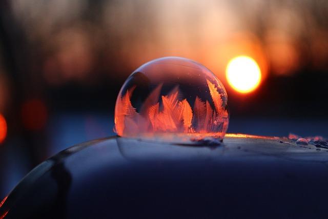 Frost Blister, Soap Bubble, Frozen Bubble, Eiskristalle