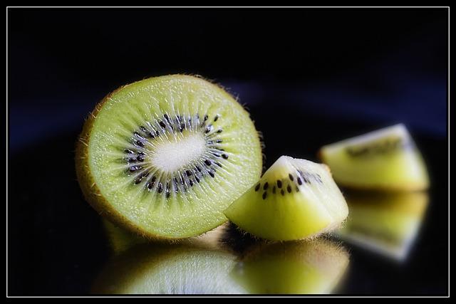 Kiwi, Fruit, Farmers Local Market, Healthy, Vegetarian