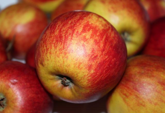 Fruit, Apple, Eating, Juicy, Health, Nutritionist