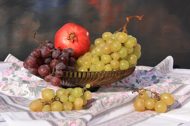 Grapes, Fruit Bowl, Tablecloth, Still Life, Fruit