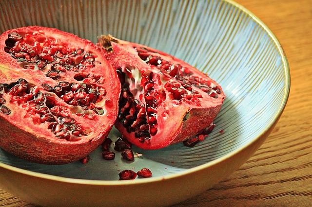 Pomegranate, Fruit, Tropical Fruit, Red, Cores, Seeds