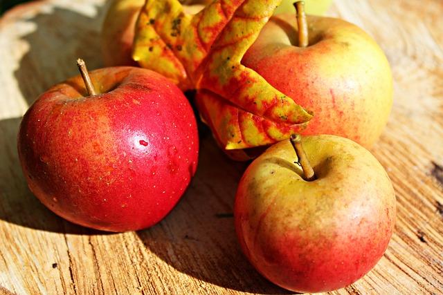 Apple, Ripe, Red, Autumn, Fruits, Harvest, Vitamins