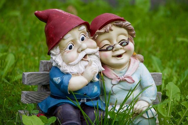 Grass, Meadow, Dwarf, Dwarf Pair, Fun, Funny