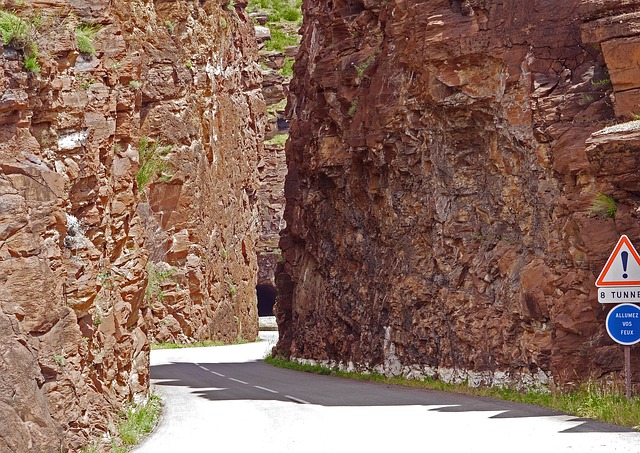 Daluis Gorges, Gateway, Red Rocks, Tunnel