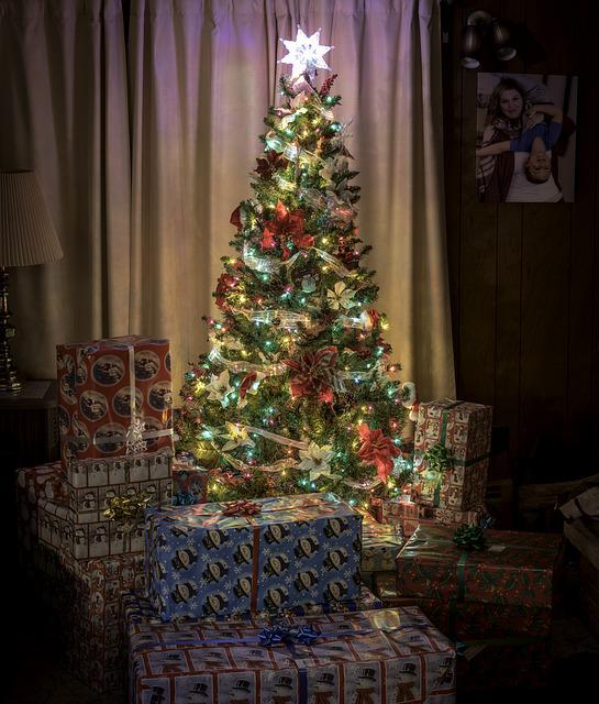 Christmas, Tree, Presents, Gifts, Holidays, Celebration