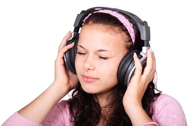 free photo woman girl listen young music person listening max pixel