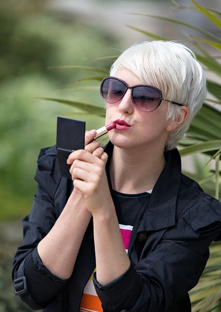 Lipstick, Lips, Mirror, Girl, Make-up, Female