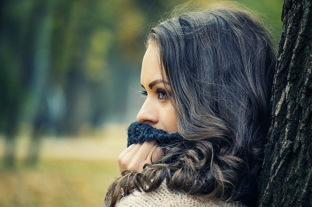 Girl Looking Away, Girls With Scarf On Her Mouth