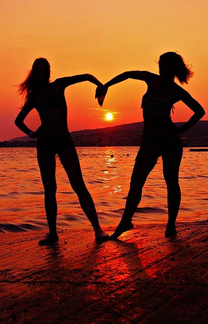Girlfriends, Silhouette, Sunset, Heart