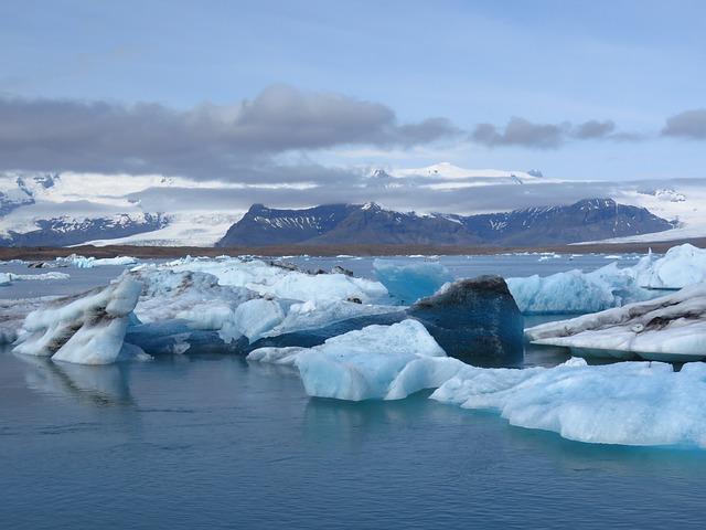 Iceland, Glacier Lagoon, Vatnajökull, Jögurssalon