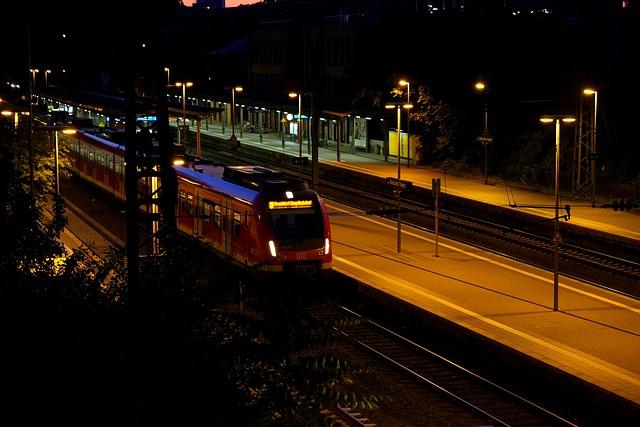 Platform, Train, Railway Station, Gleise, Rail Tickets