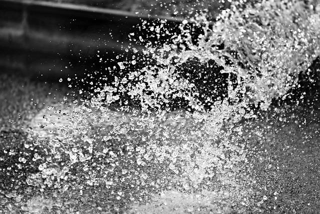 Water, Gushing, Fountain, Drops, Splattering, Spray
