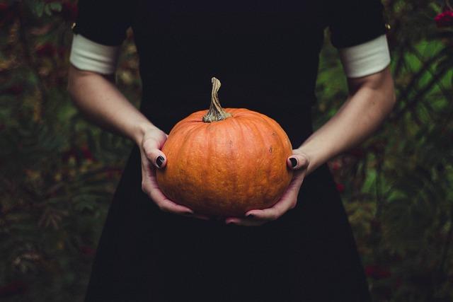 Woman, Pumpkin, Thanksgiving, Squash, Food, Halloween