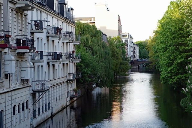 Hamburg, Eppendorf, Isebekkanal, Balconies