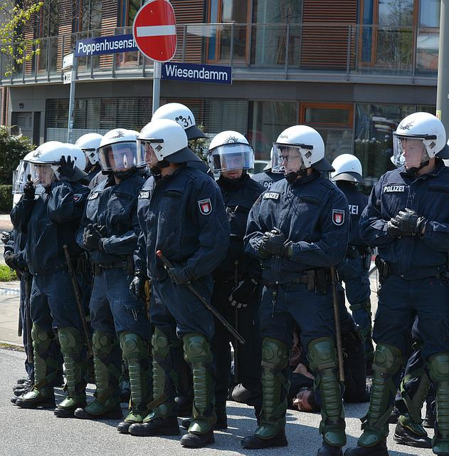 Police, Hamburg, 1 May, Rally, Barmbek