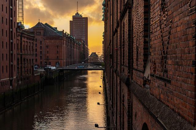 Hamburg, Speicherstadt, Architecture, Channel, Waters