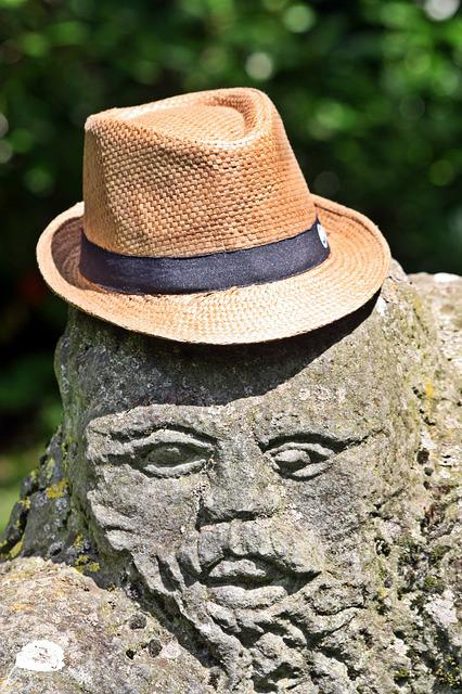 Walk In The Park, Sculpture, Straw Hat, Hamburg