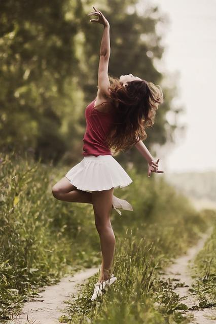 Girl, Model, Skirt, Ease, Dance, Happy, Happiness