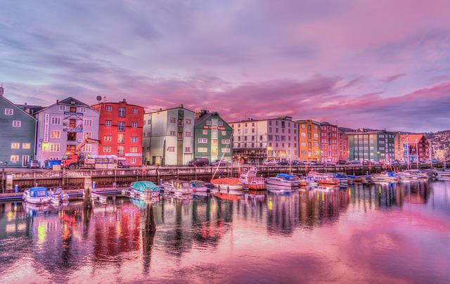 Norway, Trondheim, Old Town, Harbor, Sunrise