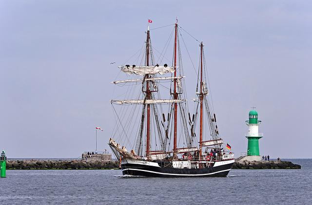 Tall Ship, Hanse Sail, Harbour Entrance, Warnemünde