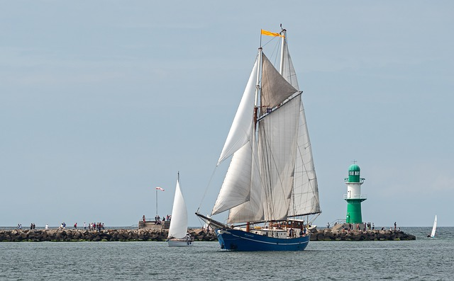 Tall Ship, Zweimaster, Harbour Entrance, Warnemünde